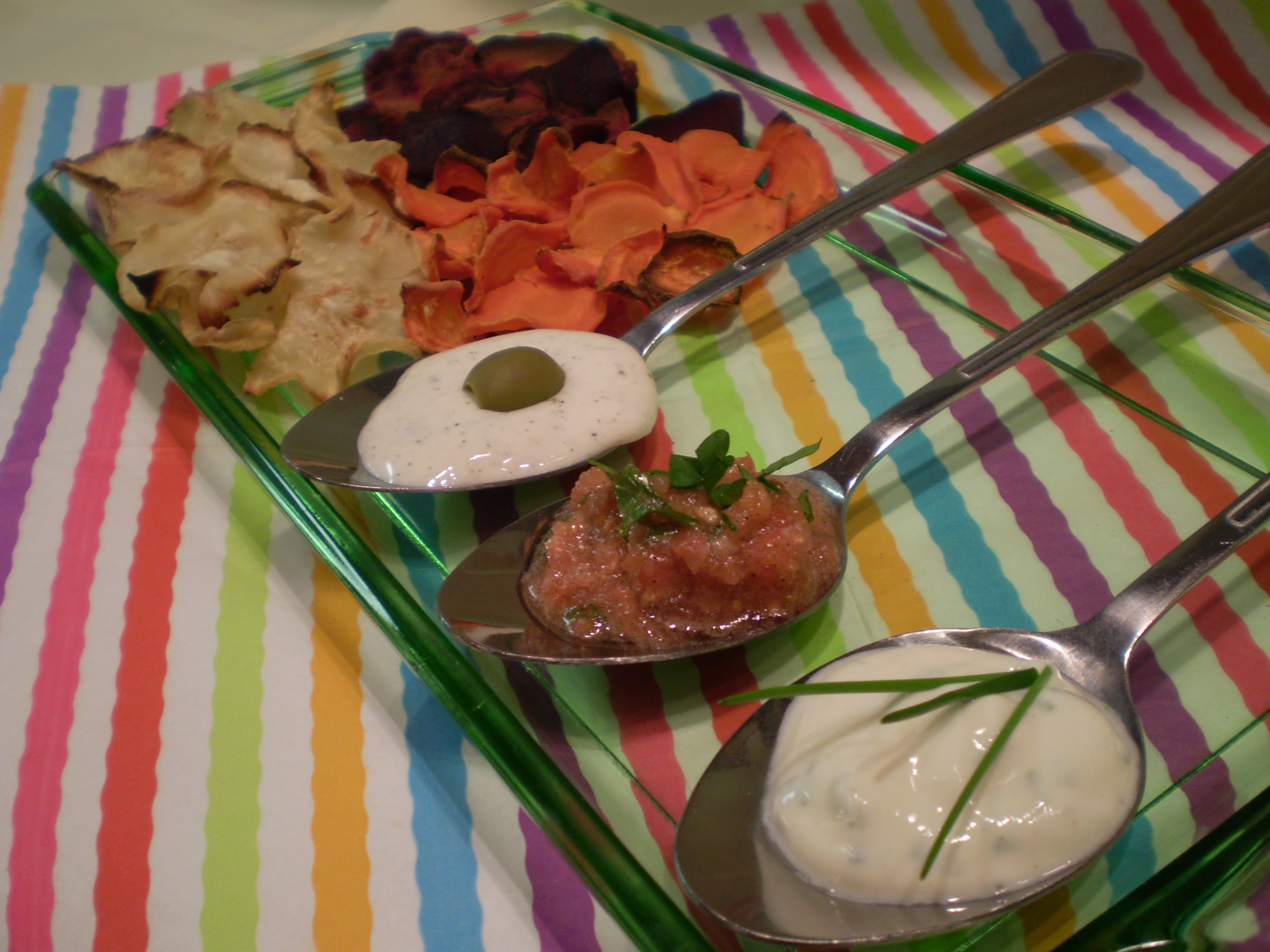 Zöldség chips készítése mártogatóssal