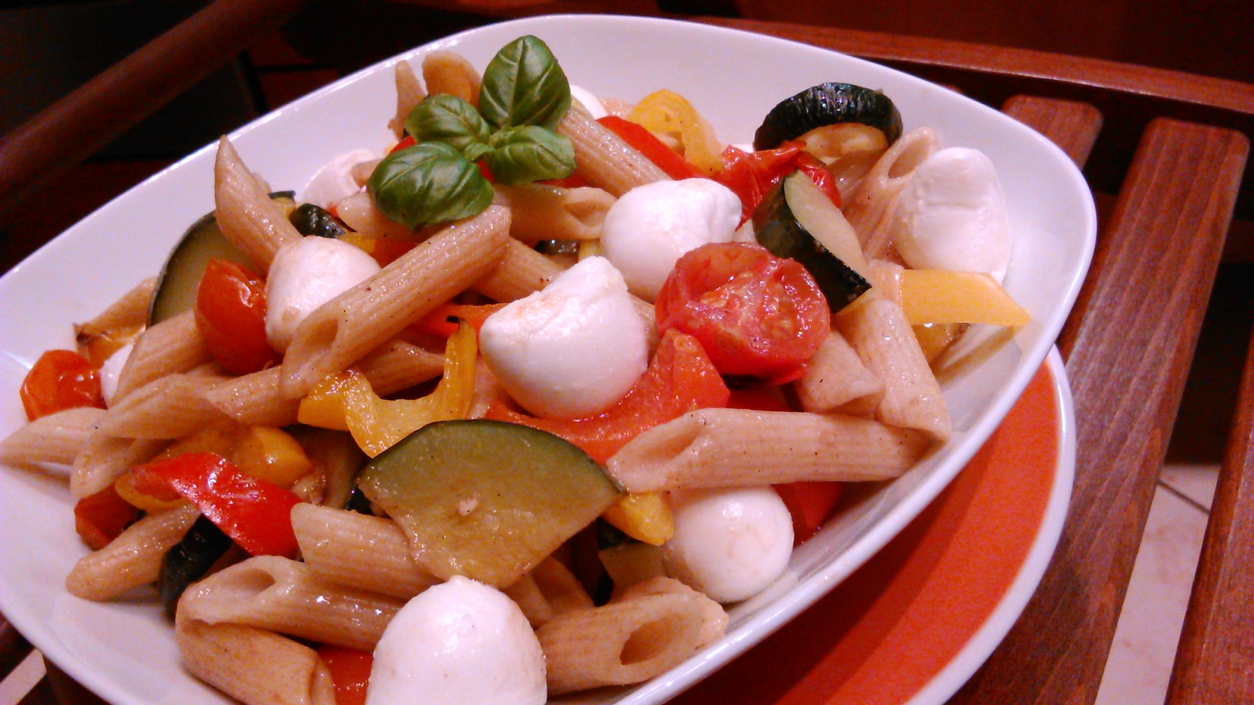 Zöldséges tésztasaláta – grillezett zöldségekből