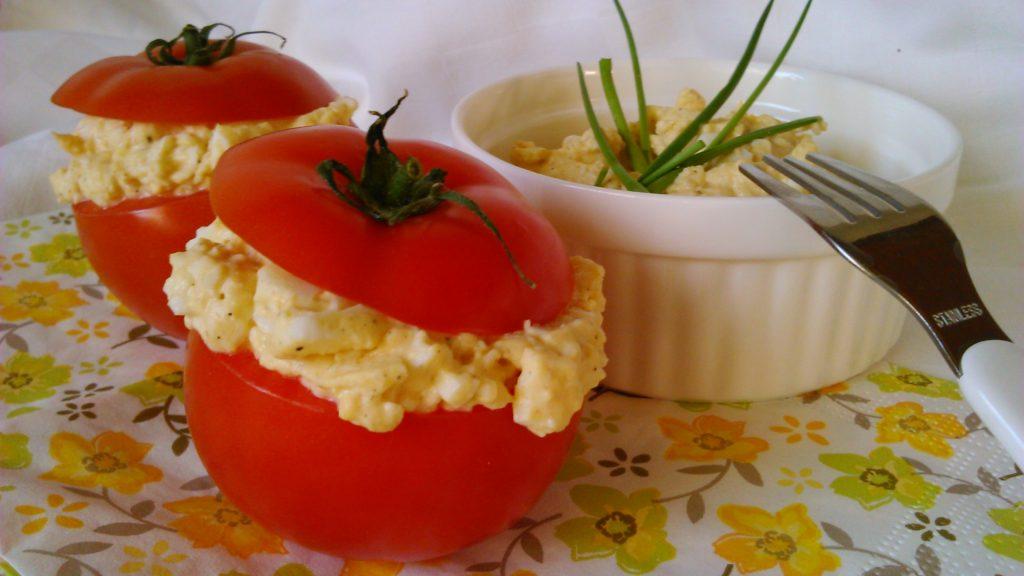 Töltött paradicsom diétás tojáskrémmel