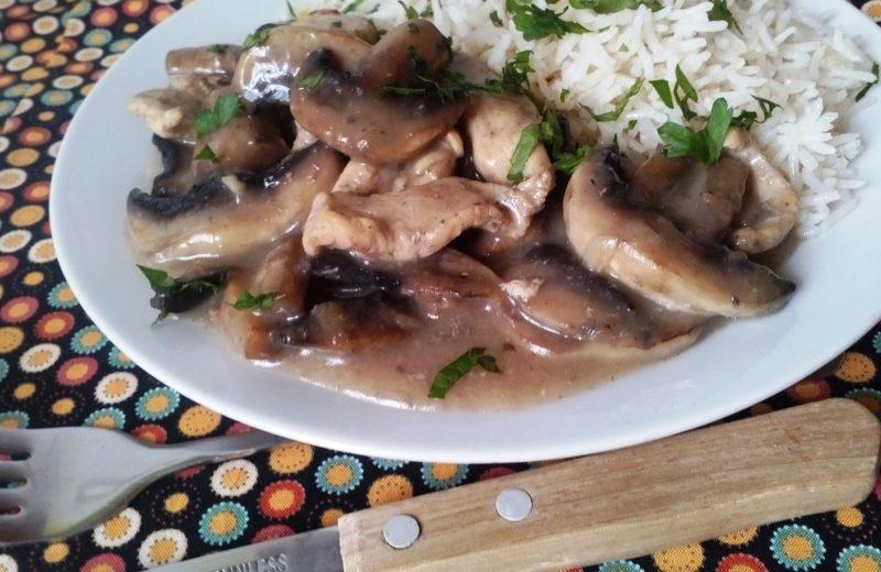 Tejszínes gombás csirkemell diétásan (tejmentes, gluténmentes)