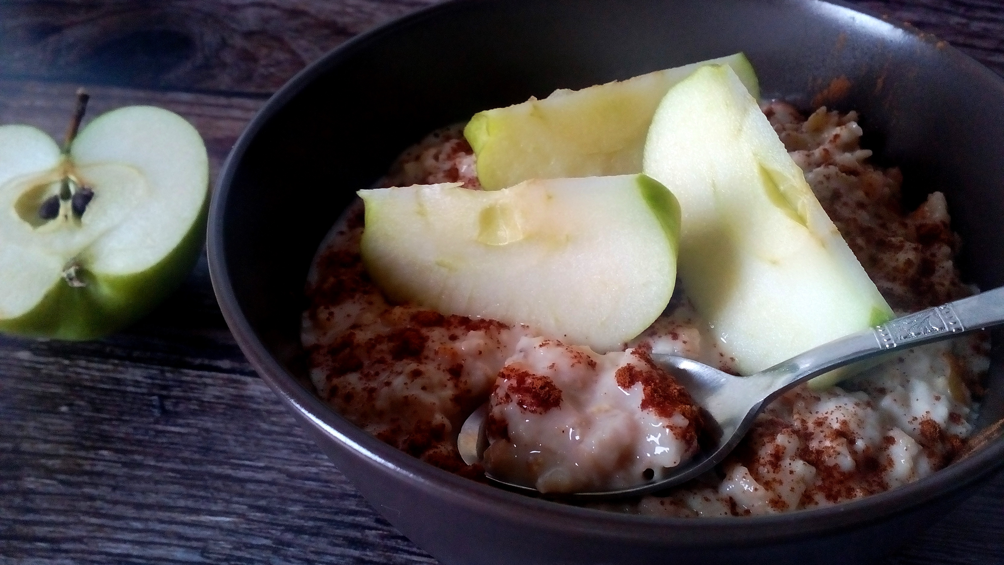 Almás fahéjas zabkása, amivel csak jól indulhat a reggel!