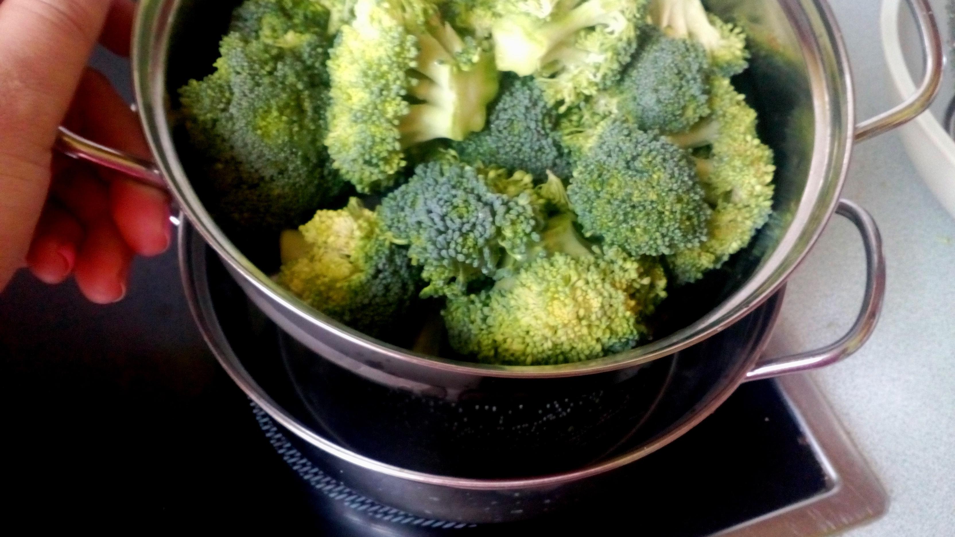 Brokkolipüré krumplipüré helyett