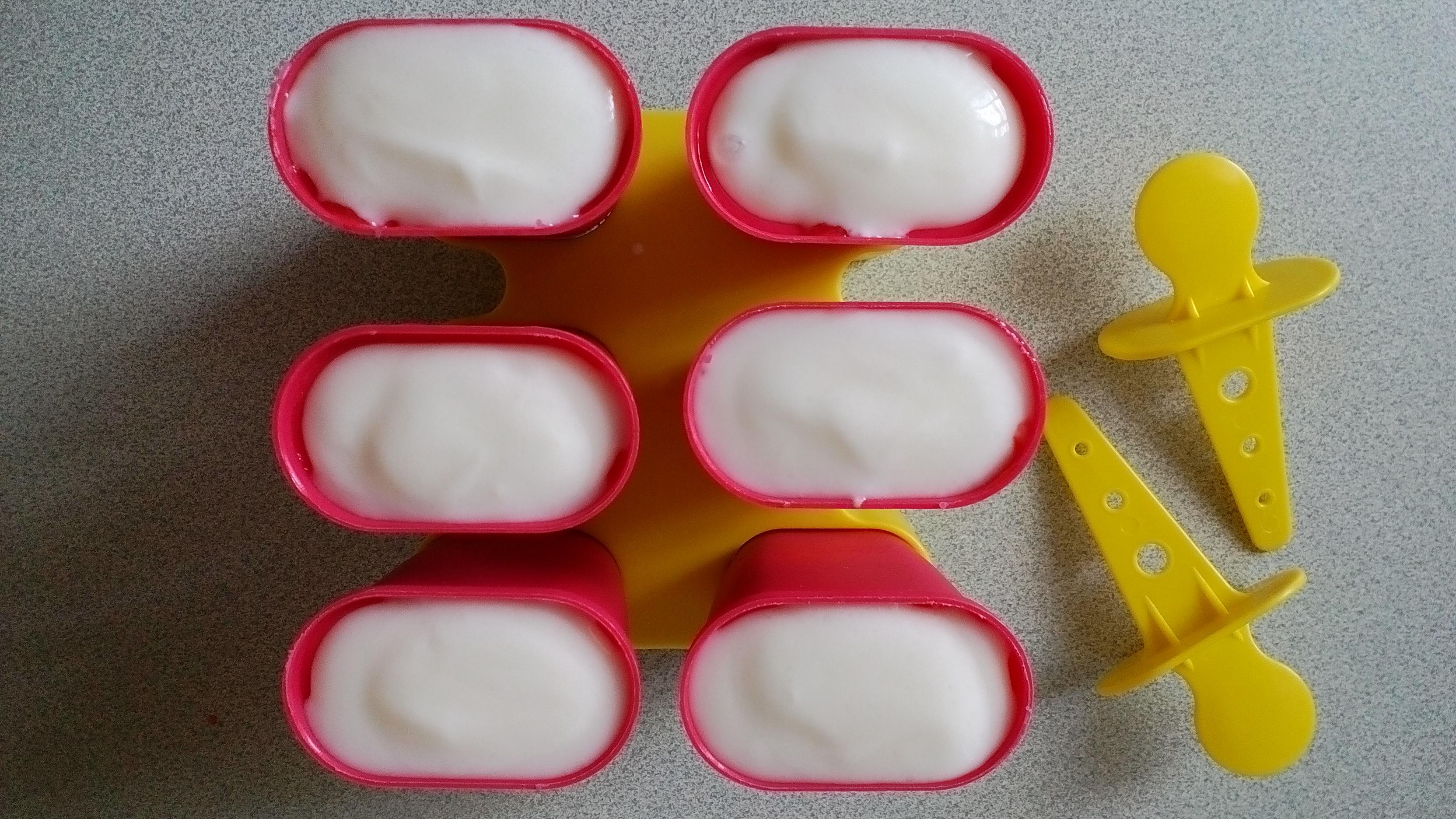 Cukormentes eper jégkrém házilag, joghurtból
