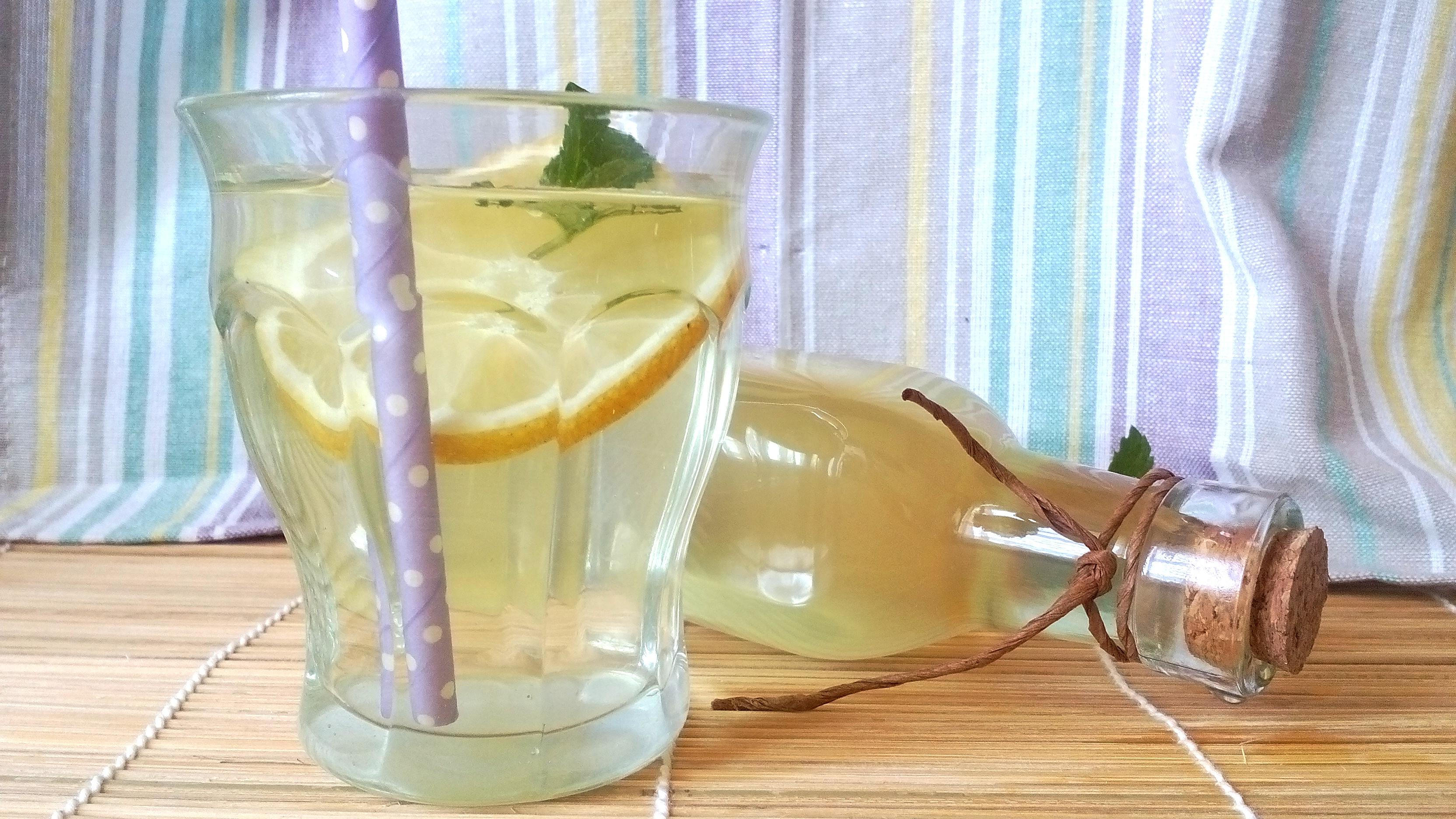 Bodzaszörp recept cukor nélkül, édesítőszerrel – frissítő diétás ital