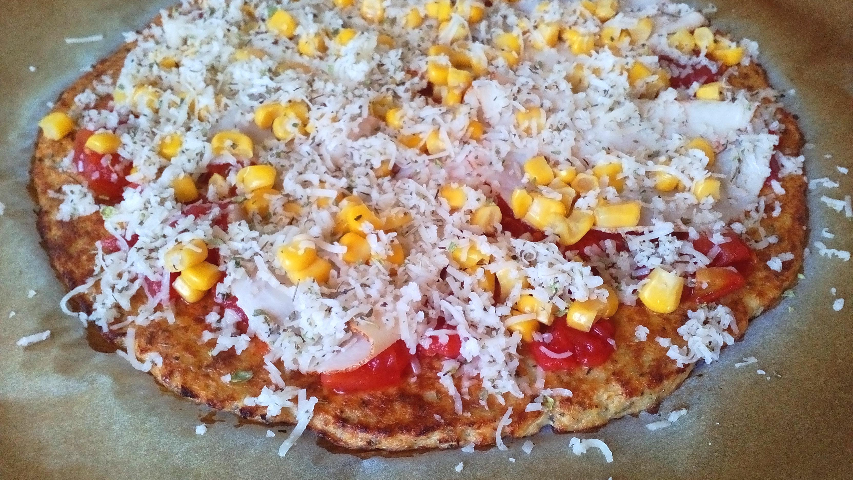 Karfiol alapú pizza, karfiolpizza, lisztmentes pizza diétás receptje