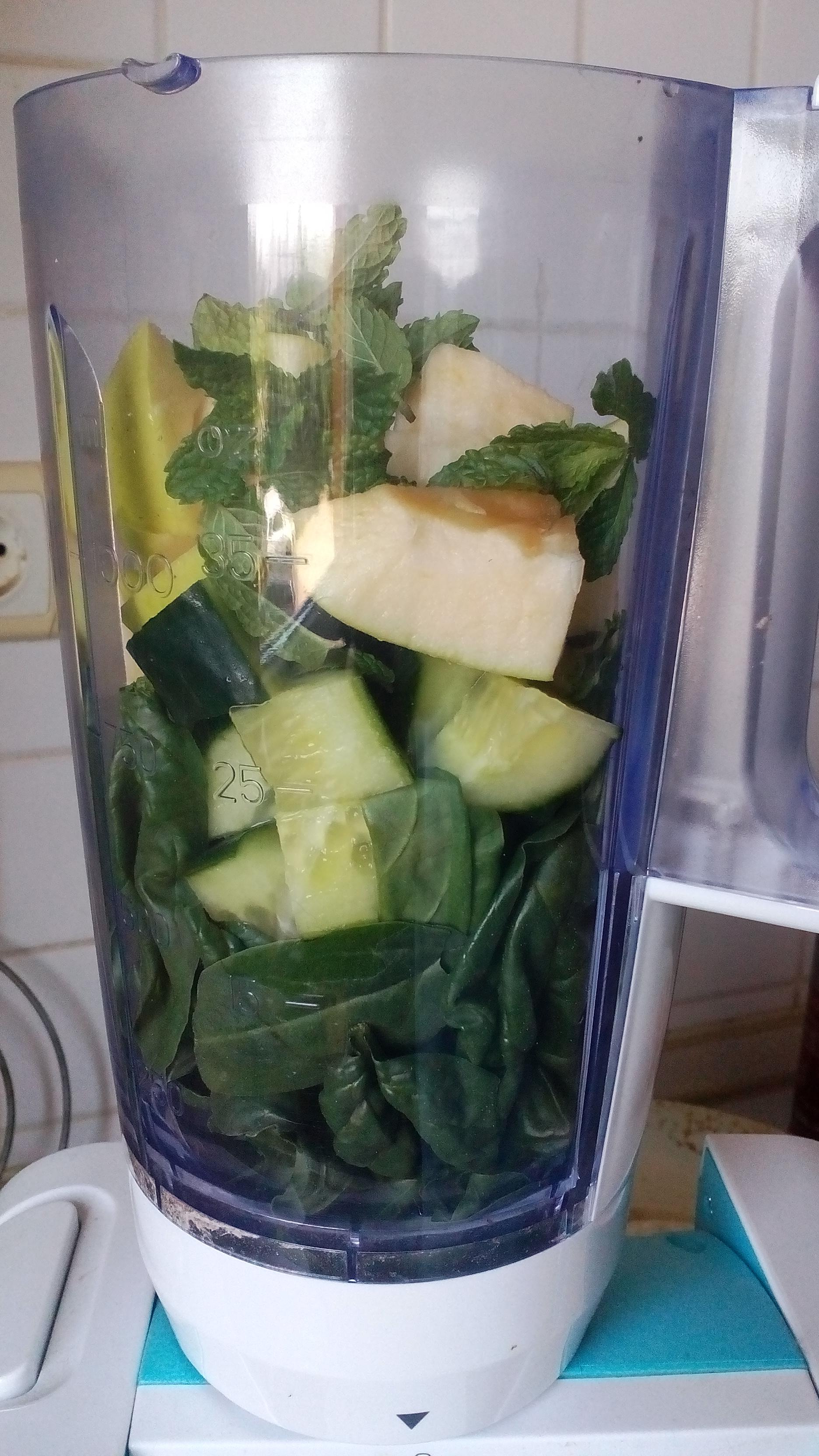 Spenótos smoothie, kedvenc diétás zöld turmix receptem készítése
