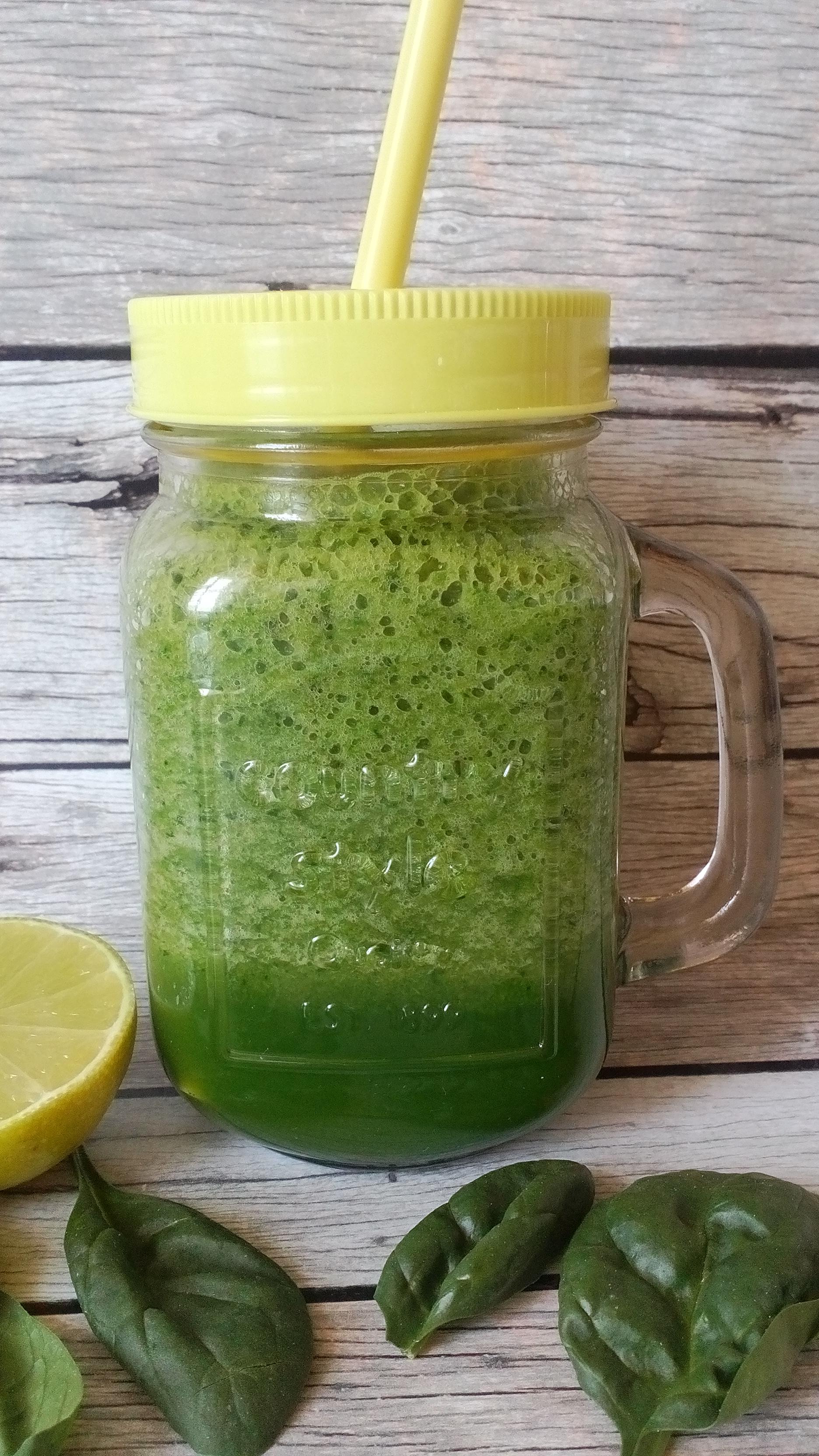 Spenótos smoothie, kedvenc diétás zöld turmix receptem