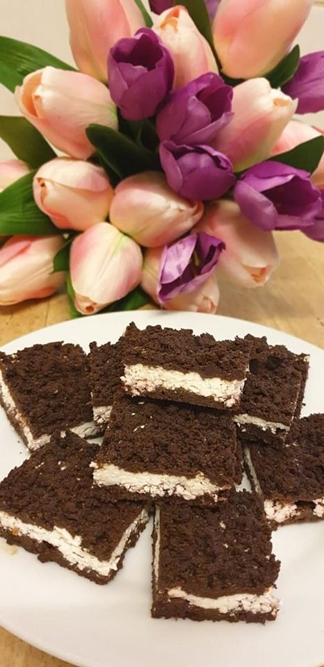 Cukormentes diétás reszelt túrós süteméy