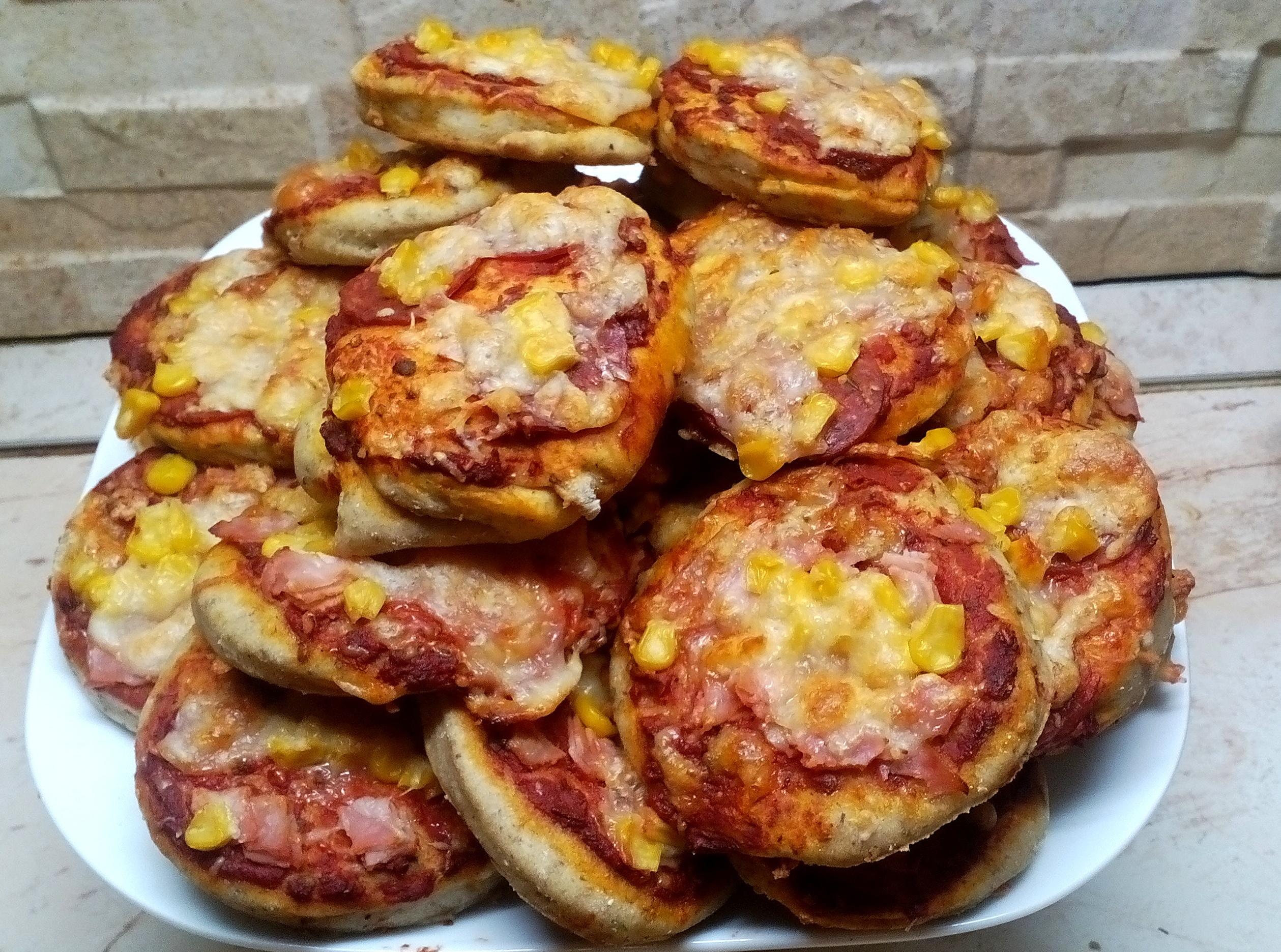 Szénhidrátcsökkentett mini pizza 3 összetevőből