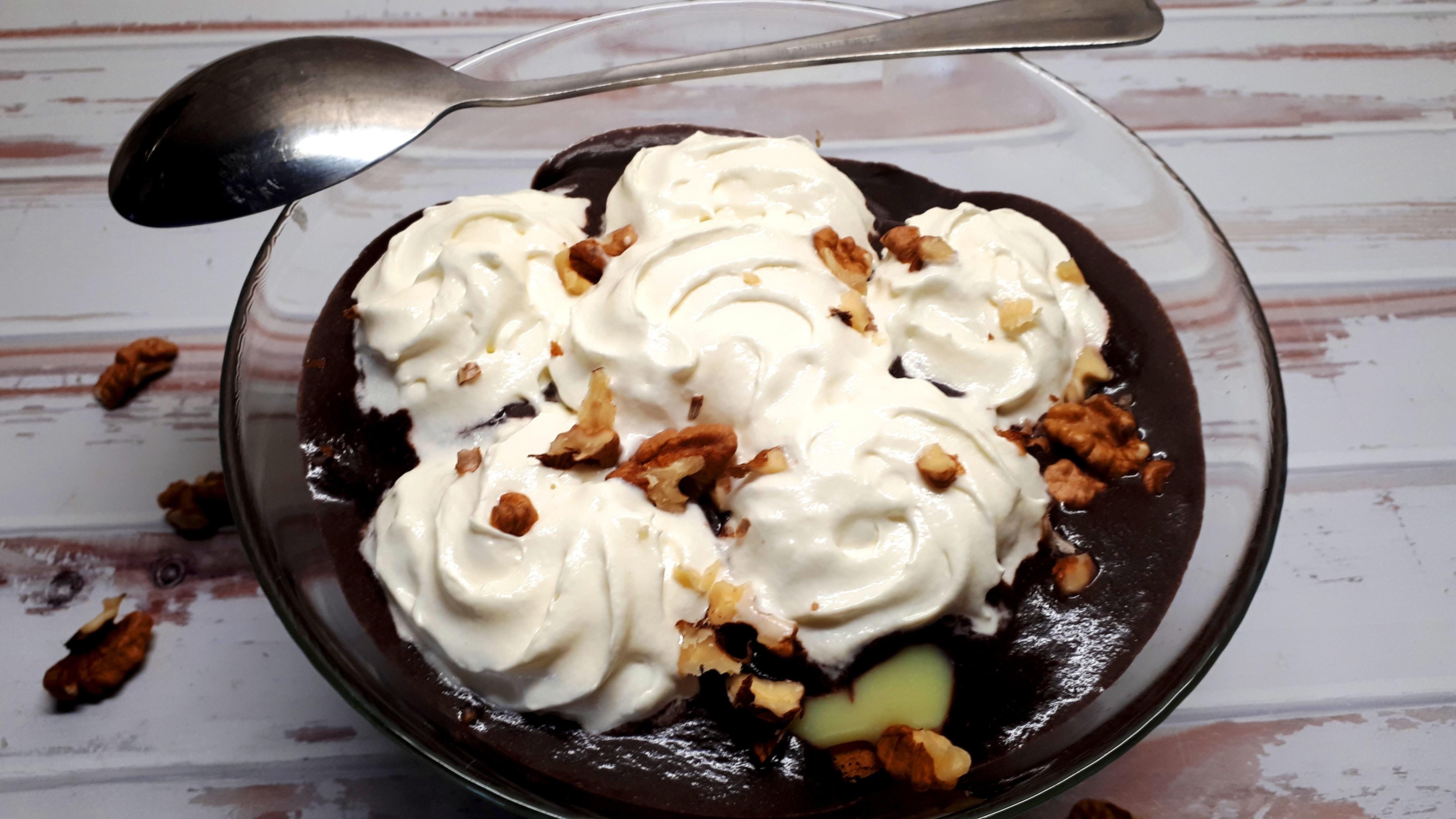 Diétás somlói galuska házilag, szénhidrátcsökkentett piskótából