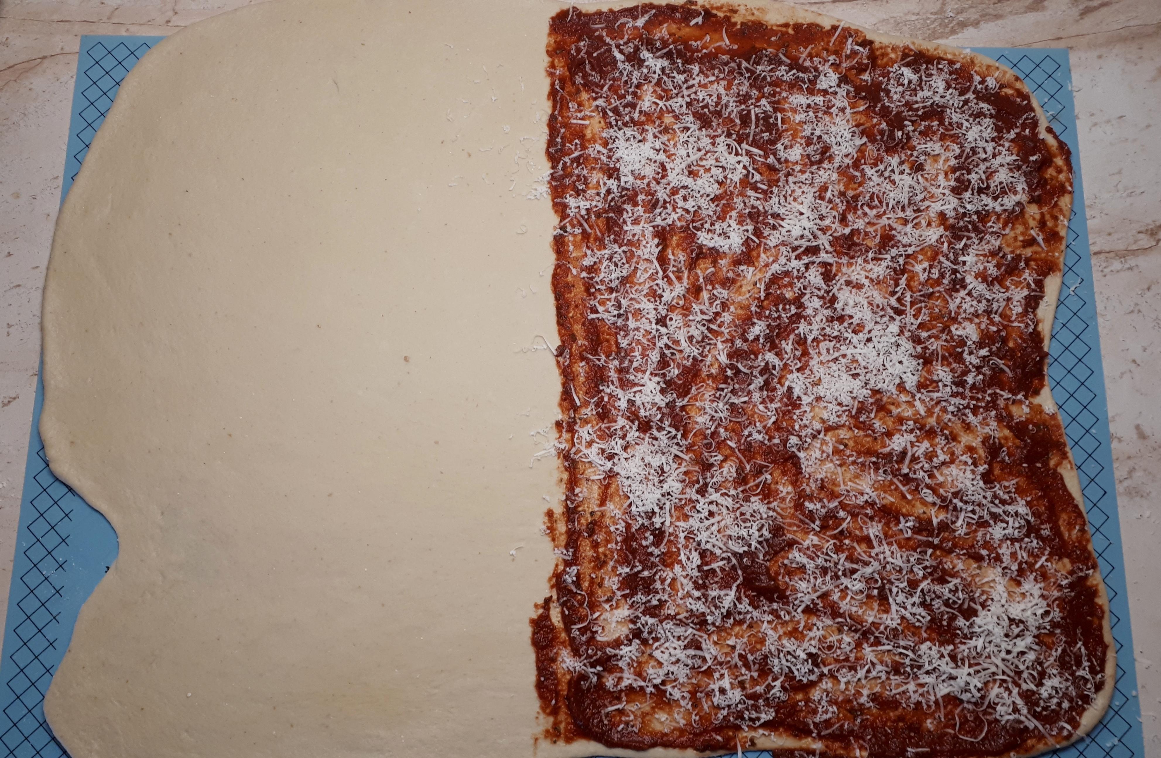 Szénhidrátcsökkentett diétás pizzás csavart, pizzás twister Dia Wellness szénhidrátcsökkentett lisztből, fehér liszt nélkül