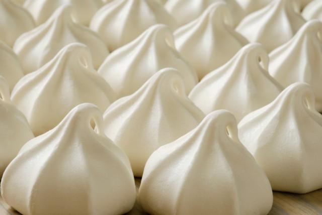 Lehet-e kemény tojásfehérje habot készíteni édesítőszerrel?