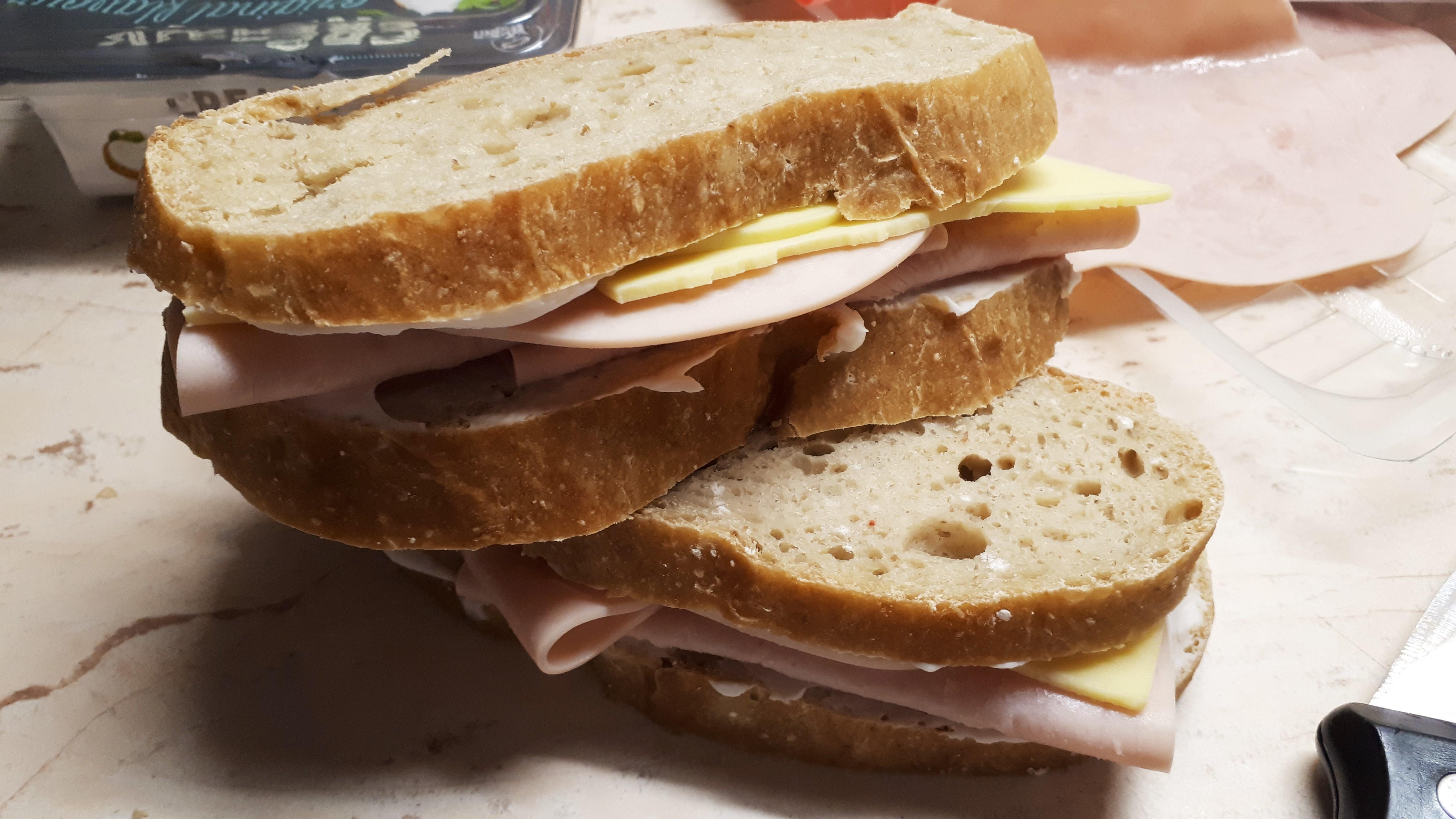 Dagasztás nélküli szénhidrátcsökkentett kenyér házilag