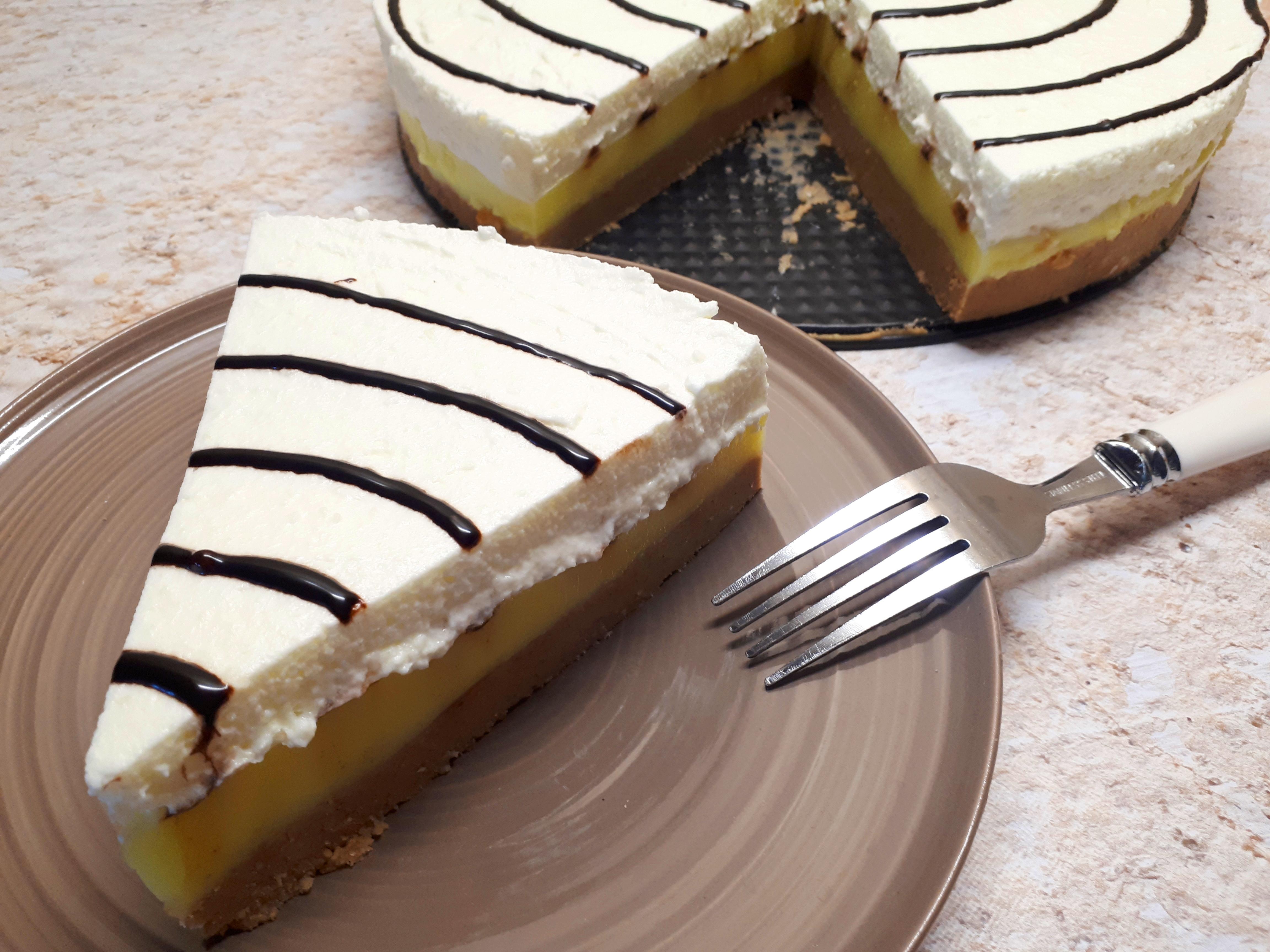 Cukormentes gesztenyetorta, diétás gesztenyés krémes sütés nélkül, diétás kekszből