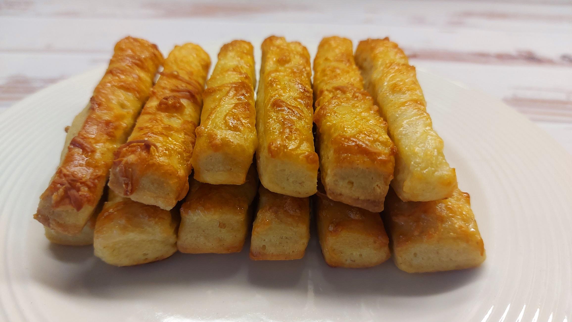 Ropogós sajtos rúd diétásan